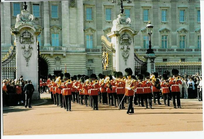 Changing of the Palace Guards